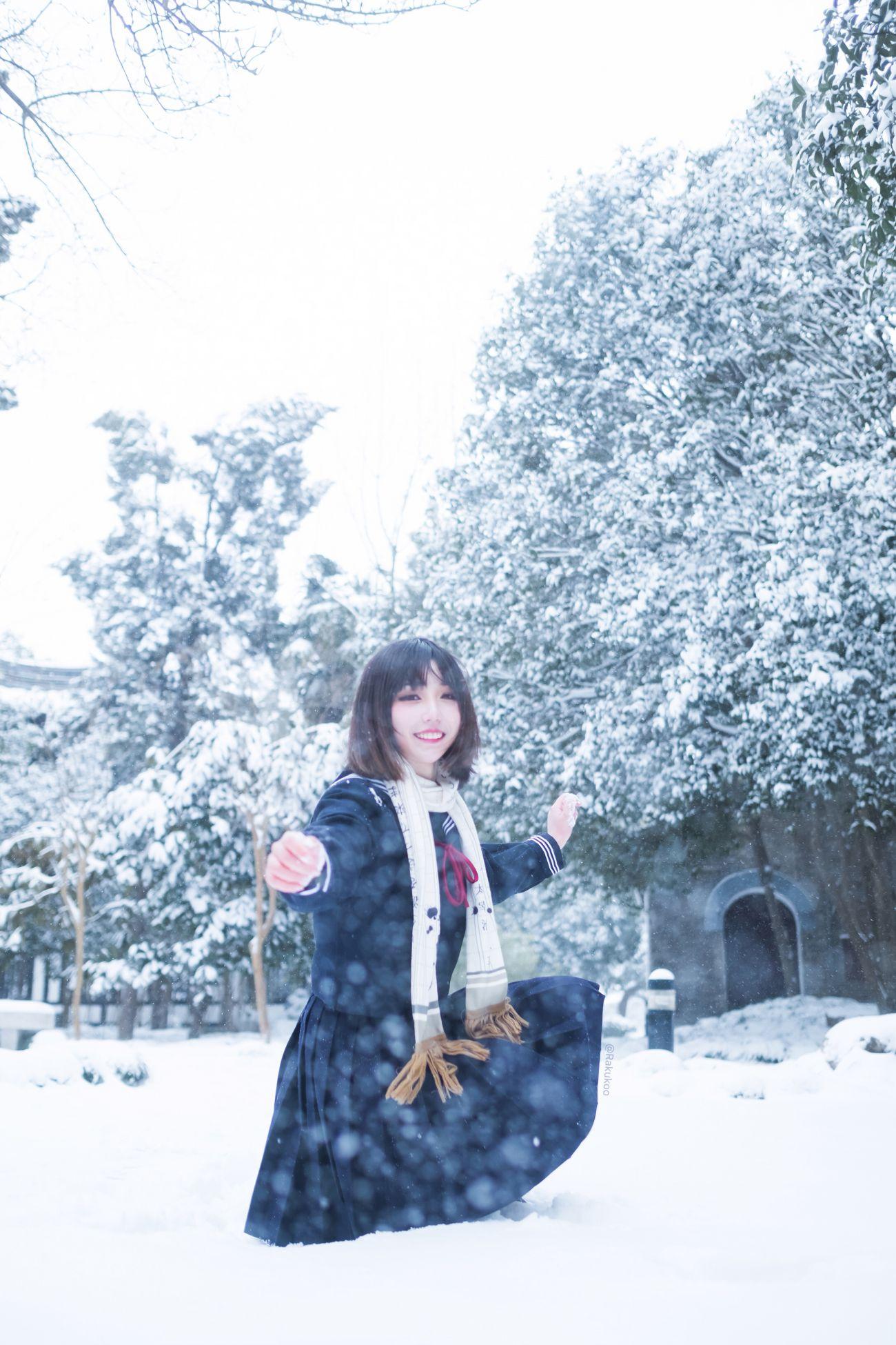 微博美少女犬神洛洛子Cosplay寫真雪中jk|檸檬皮