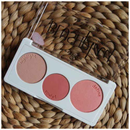 essence blushplay sculpting blush palette review swatch play it peach
