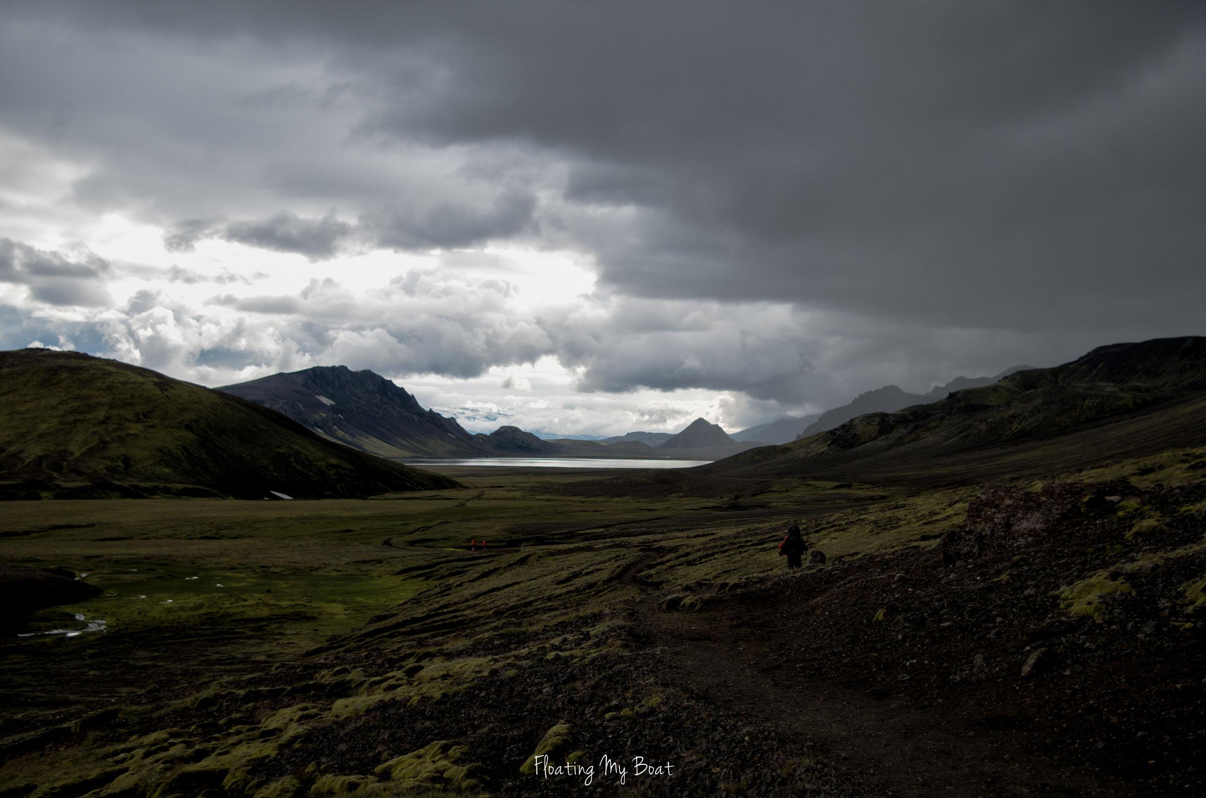 iceland-laugavegur-trek-alftavatn-lake-camp-site