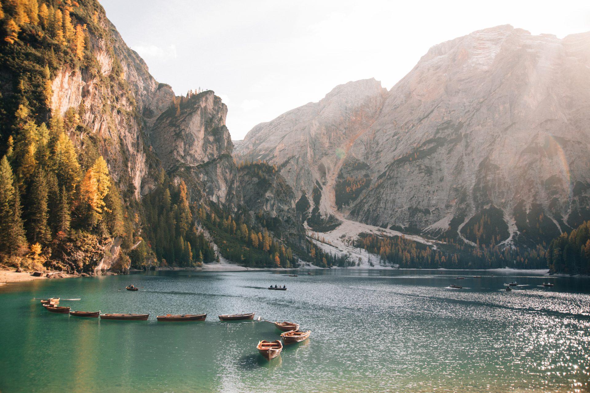 najpiekniejsze-jeziora-dolomity-co-zobaczyc-lago-di-braies