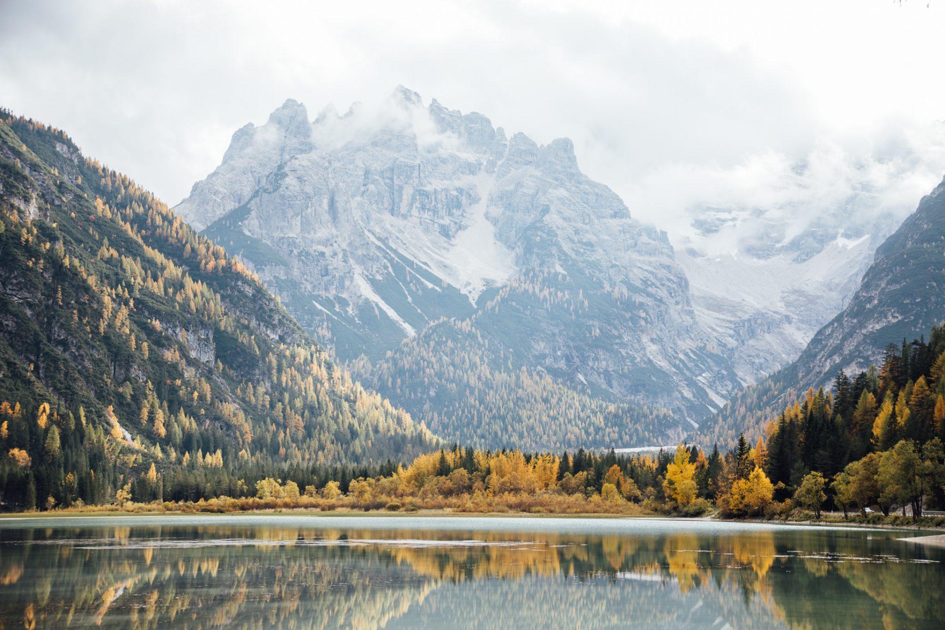 dolomity-atrakcje-jesien-jezioro-landro