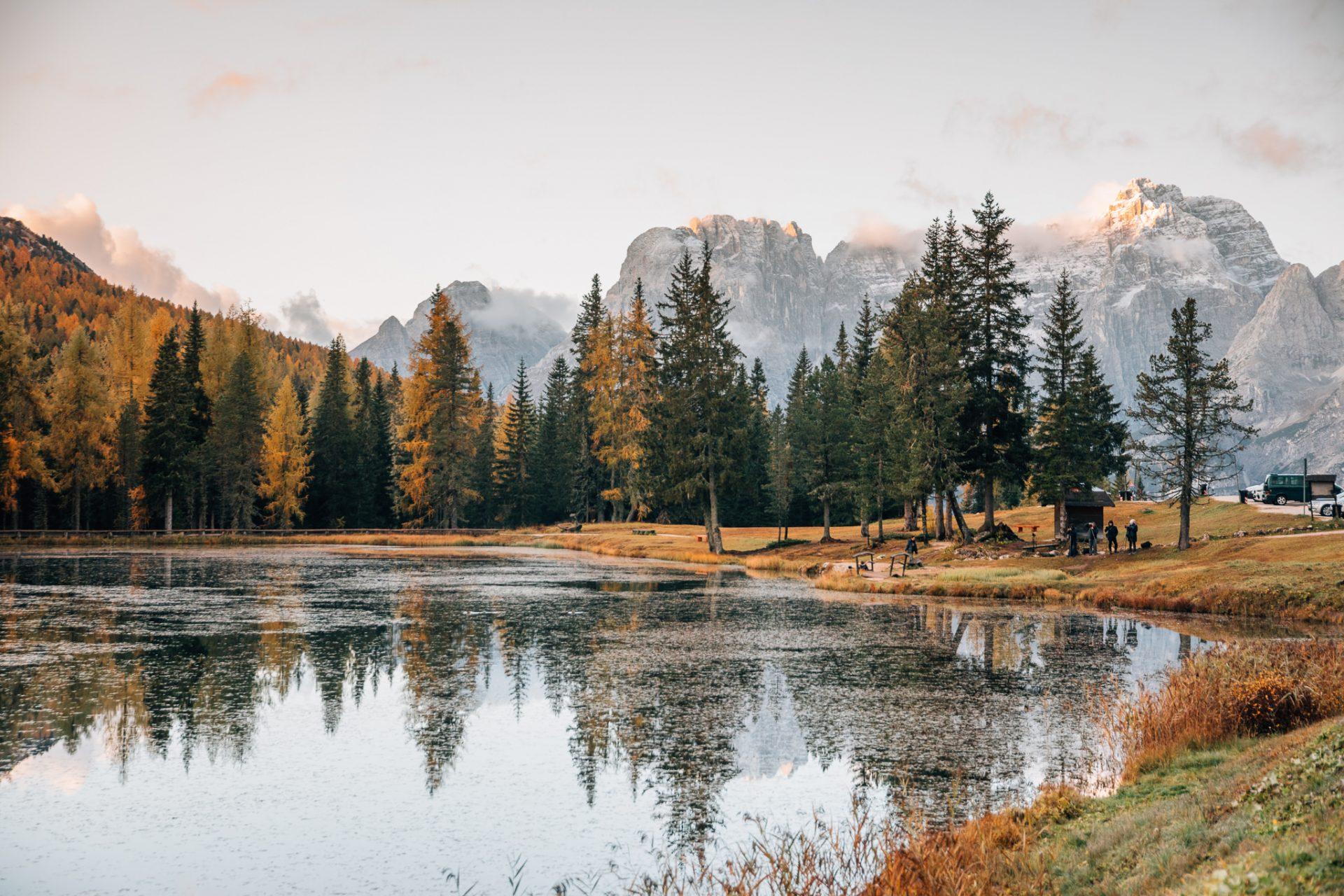najpiekniejsze-jeziora-w-dolomitach-antorno-tre-cime