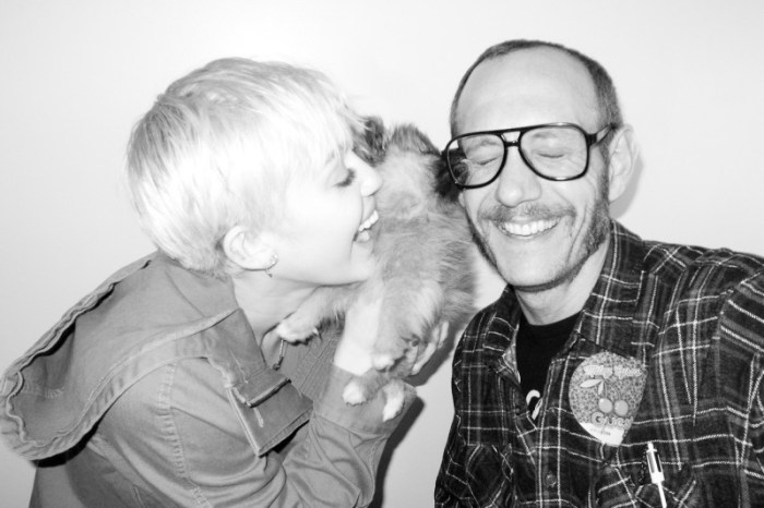 miley-cyrus-dog-moonie-terry-richardson-10