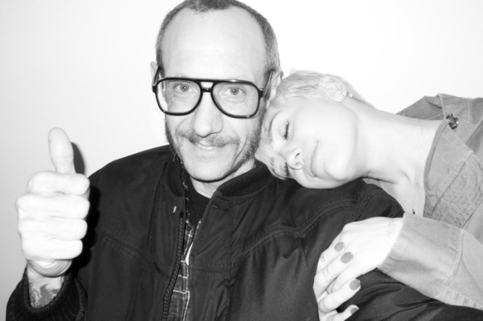 miley-cyrus-dog-moonie-terry-richardson-11