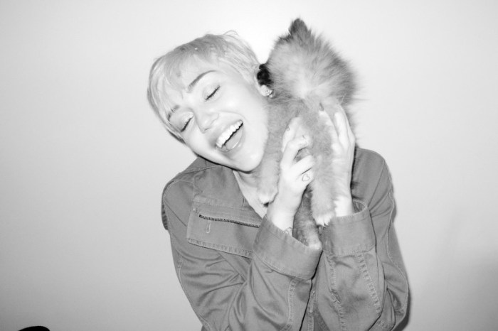 miley-cyrus-dog-moonie-terry-richardson-9