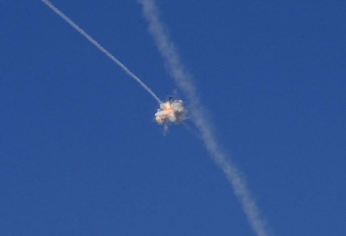 飛彈遭受截擊