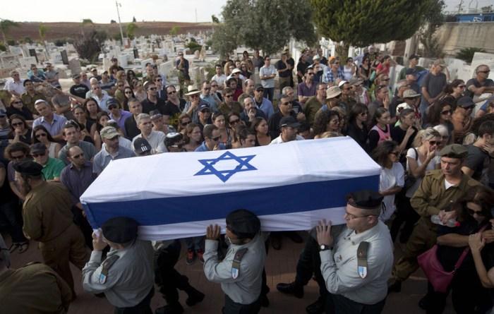 這是以色列士兵Amotz Greenberg的葬禮。連日來的衝突,共有18位以色列士兵與2位平民因為哈瑪斯的導彈擊而死亡