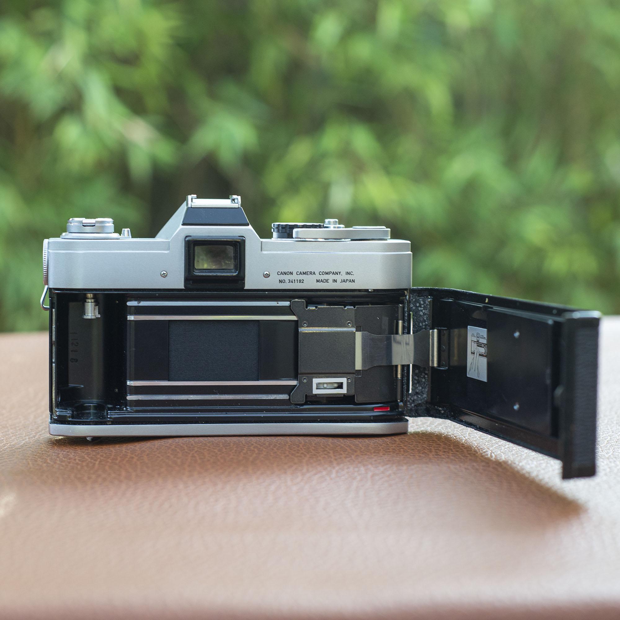 Canon FT film back/door open