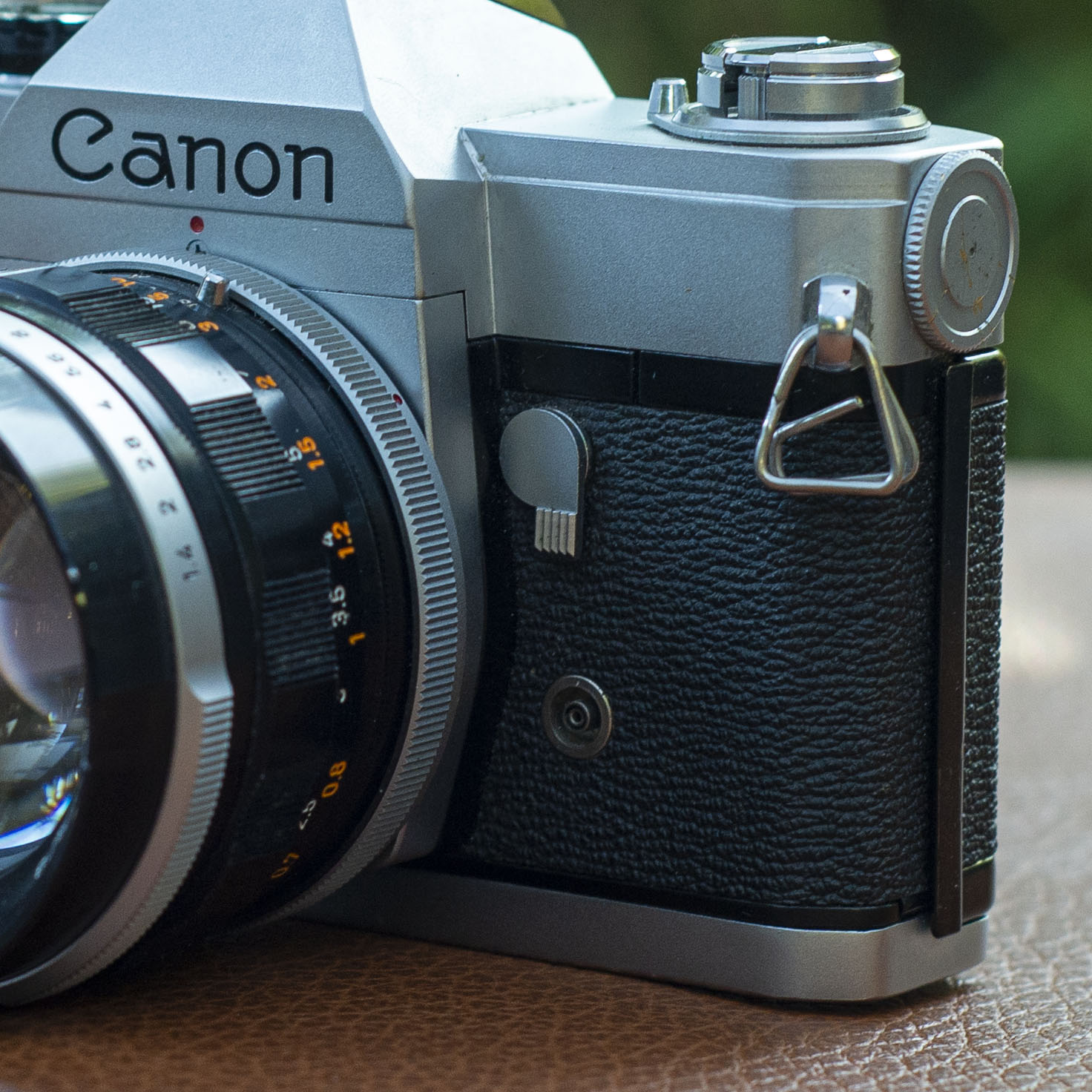 Canon FT Depth of Field preview lever