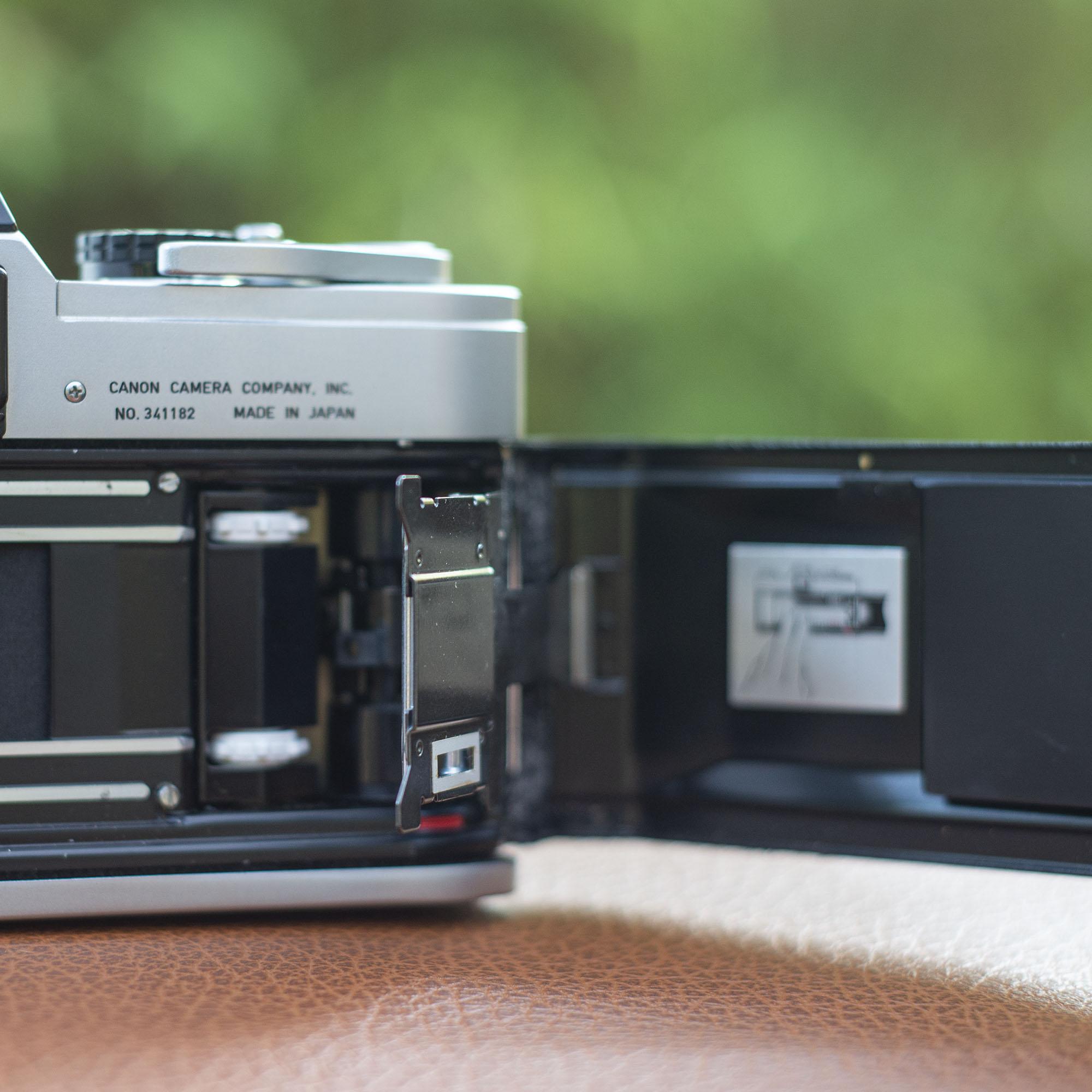 Canon FT Quickload mechanism