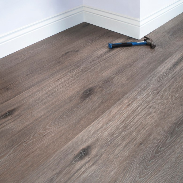 Oak Robina brand Laminate wood Flooring UAE Abu Dhabi and Dubai. Made in Malaysia. Available now with affordable price in Floor Expo UAE