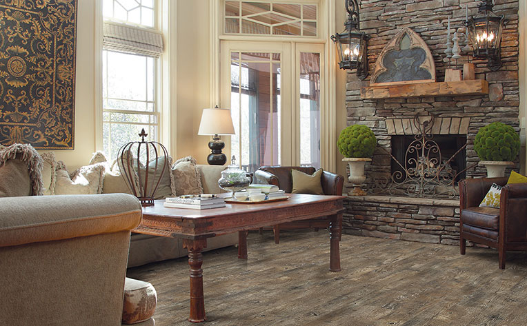 What Is Farmhouse Style & Rustic Design?