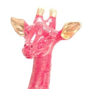 Statue Girafe Couchée Rose Polyrésine H56