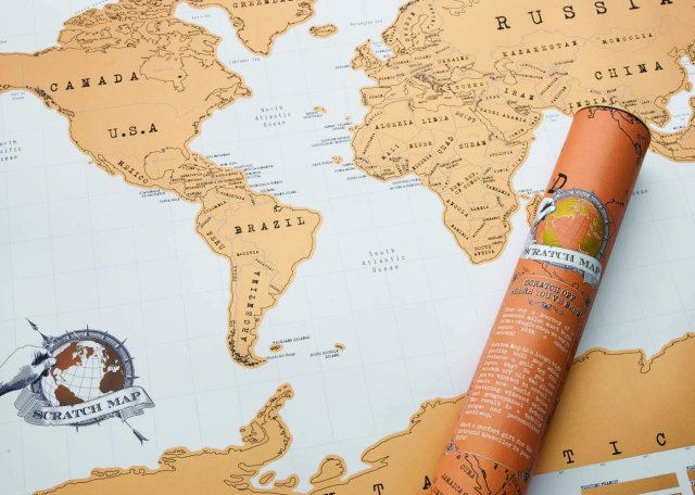 GIFT GUIDE FOR THOSE WHO LOVE TO TRAVEL