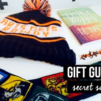 Gift Guide: Secret Santa + Giveaway
