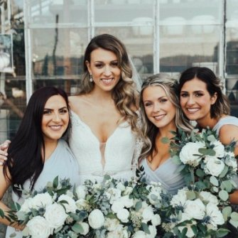 Emily & her bridesmaids at Castaway