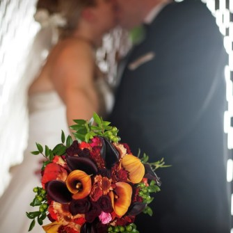 fall colored bridal bouquet with calla lilies