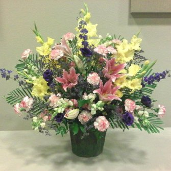Medium Premium Arrangement in Mache