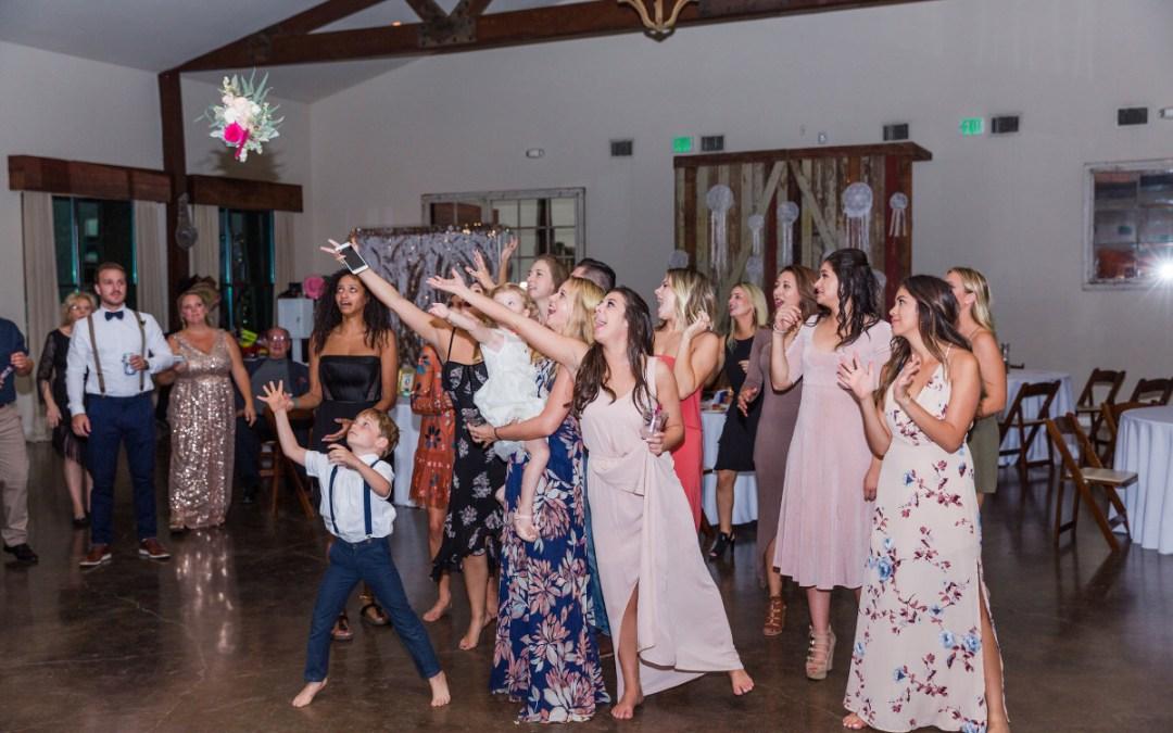 wedding bouquet toss