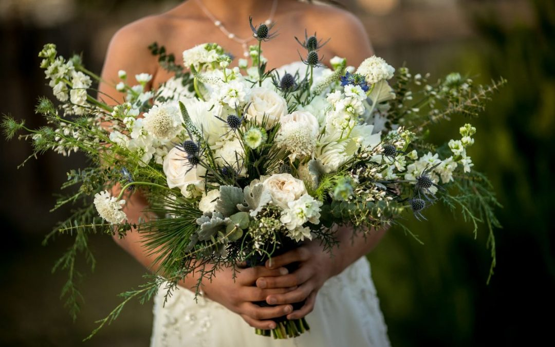 winter wedding flower bouquet