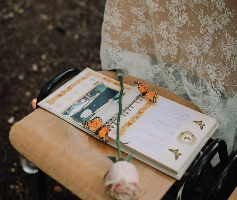 deceased loved one chair at wedding