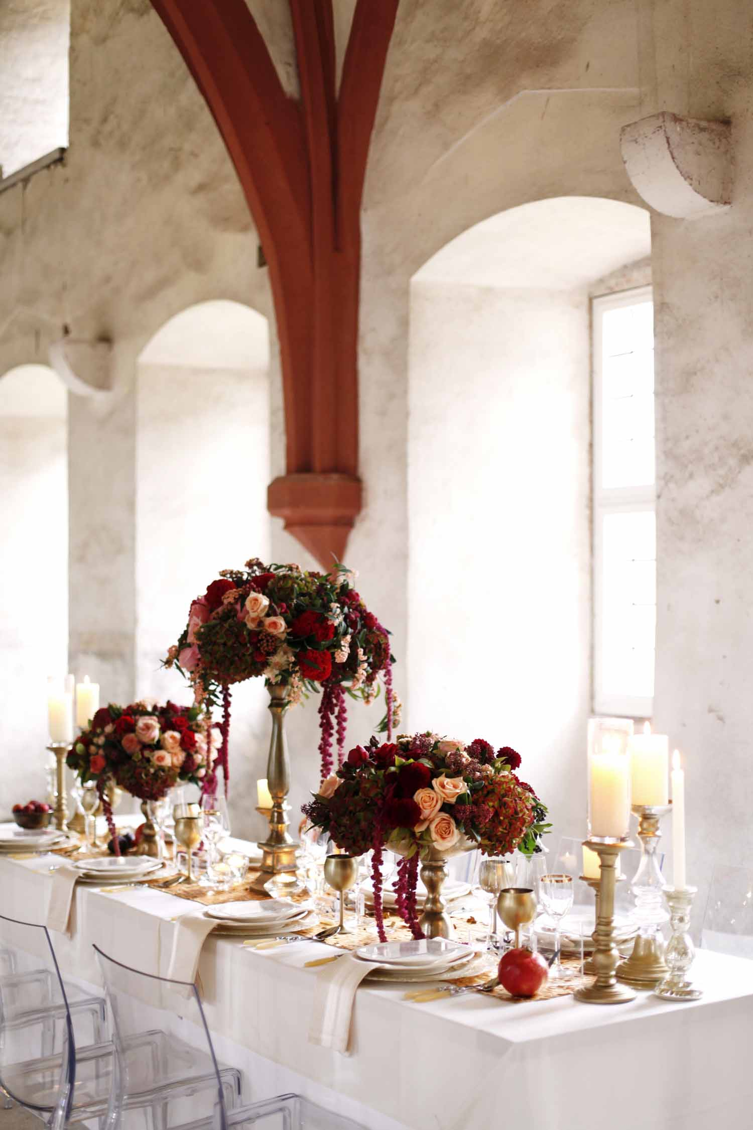 wedding in Kloster Eberbach Germany by Flora Nova Design