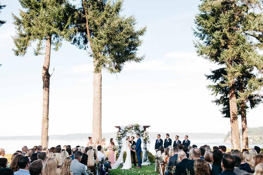 A Seattle garden wedding under large trees - Elegant Seattle Garden Wedding by Flora Nova Design Seattle
