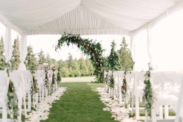 wedding aisle, ceremony setup, ceremony decor