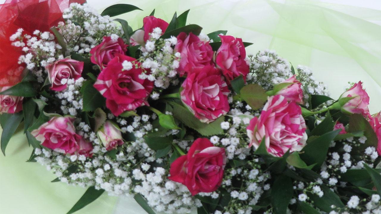 Floristik Anleitung Blumengirlande binden Deko Ideen mit FloraShop  florashopeu