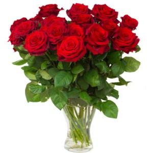 Roses rouges dans un vase maroc