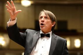 Scott Tucker American Chorus Director