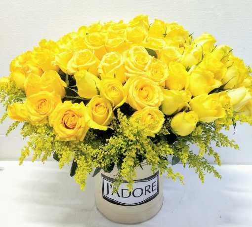 Florero de 100 rosas amarillas
