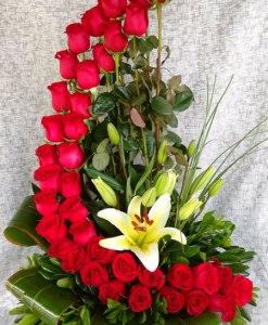 P18 - Arreglo de flores especial para mamá. Ideal para el 10 de mayo, Día de las Madres. Envío a domicilio en Tijuana.