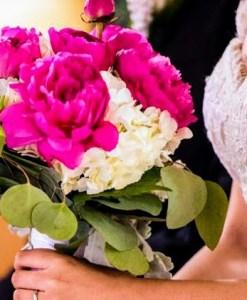 Hermoso ramo de novia con peonías y Hortencias