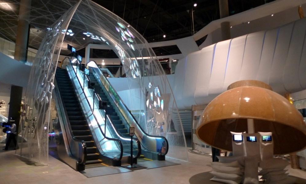 avenue-of-life-escalator-in-the-mind-museum-bonifacio-global-city-taguig-with-a-bowl-ofrice-jotan23