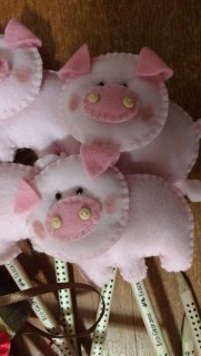 porquinhos em feltro 2