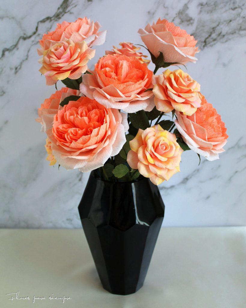 rosas de papel color rosa coral