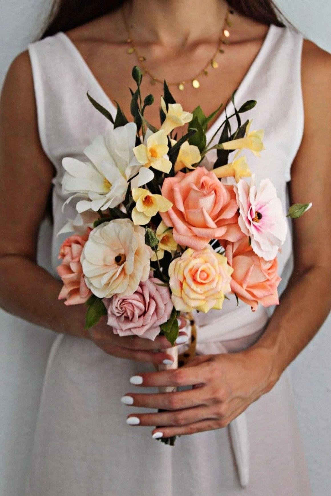 ramo de novia de flores de papel, ramo de flores de papel, flores de papel crepé, flores para siempre