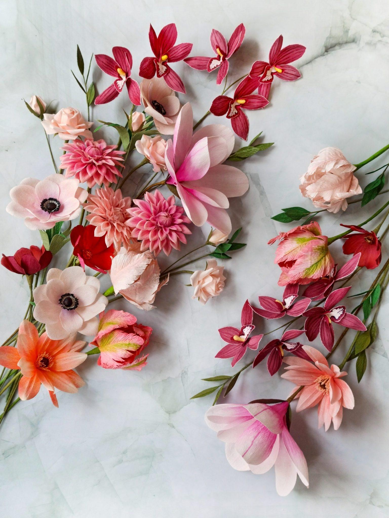 flores de papel crepé, ramo de novia de papel, ramo alternativo con flores realistas artificiales de papel