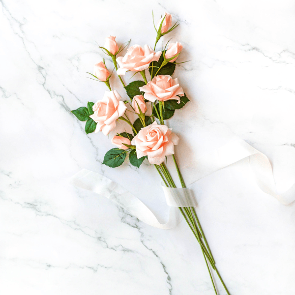 Rosas de papel crepé, ramo de rosas, ramo de flores de papel, flores de papel crepé, flores de regalo, flores artificiales