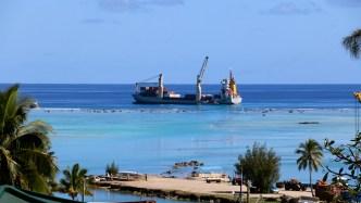 La difficile passe d'Aitutaki et le cargo mensuel