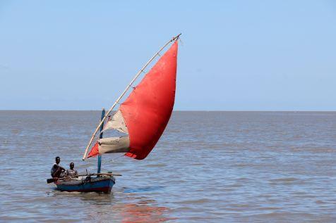 Voilier traditionnel dans la baie de Maputo