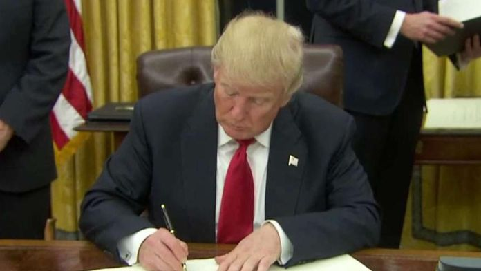 Trump Signs Health Care Executive Order on First Day