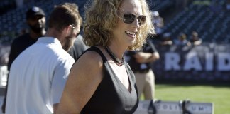 Beth Mowins, First Woman to Call an NFL Game in 30 Years