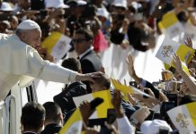Pope caps visit to Arabian Peninsula with historic Mass