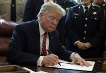 Trump Issued First Veto after Rebuke of Border Order