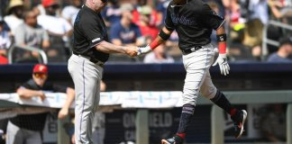 Rivera Helps Marlins Break out with 15 Hits, Beat Braves 5-4