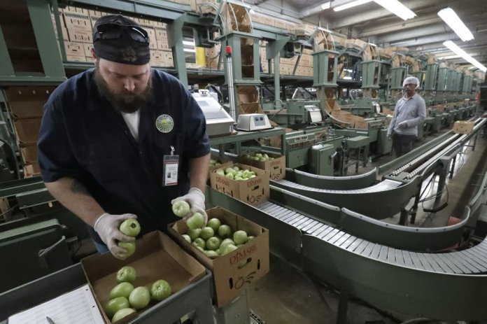 Farmers Worry Florida Bill will Worsen Labor Scarcity Woes