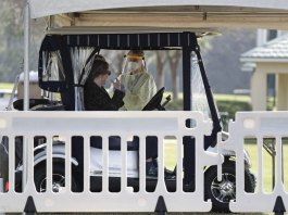 Golf Gets OK in Stay-at-home Advisory for Retirement Haven