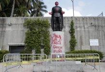 7 arrested for vandalizing Columbus statue in Miami